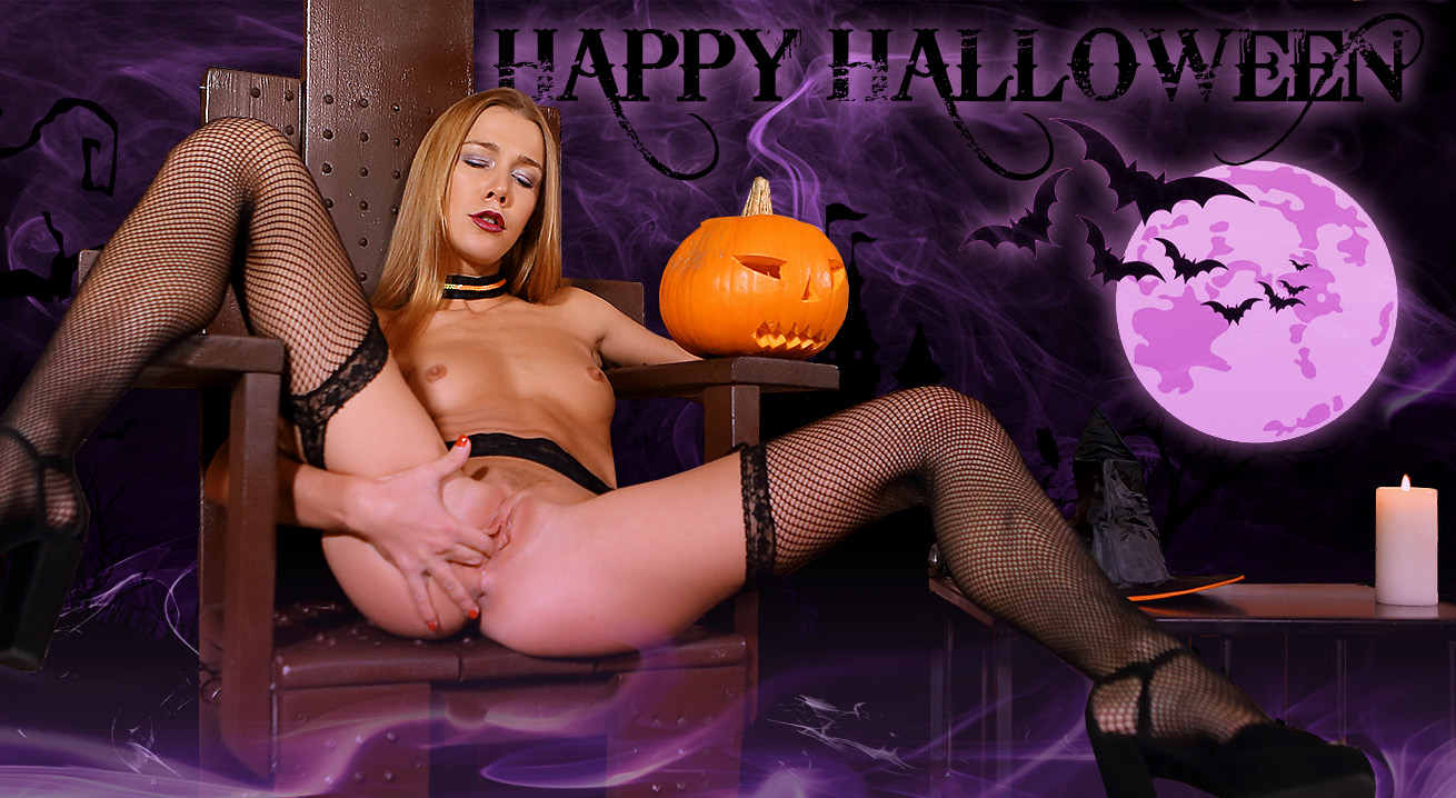 Naughty Minx Has Special Sex Treat for Halloween
