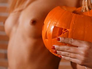 Naughty Minx Has Special Sex Treat for Halloween